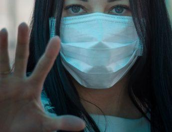 Frenar la pandemia de COVID-19