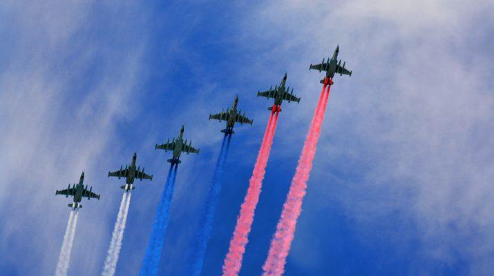 Portada de aviones rusos en el Día de la Victoria