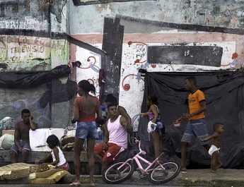 Grupo de personas Brasil pobreza