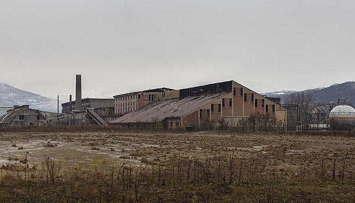 fábrica abandonada Kosovo