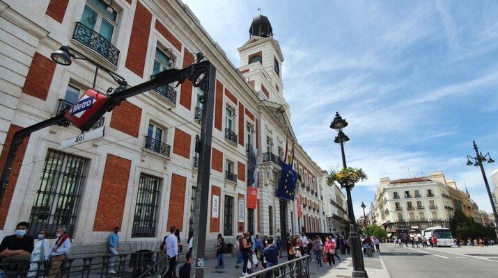 Edificio en la Puerta del Sol, sede la comunidad de Madrid