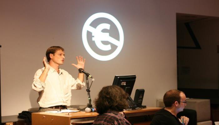 Ignasi Labastida dando una conferencia